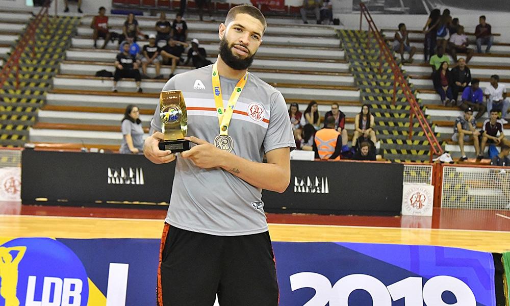A Federação Paulista de Basketball (FPB) anunciou na última quinta-feira os melhores do Ano 2019 da Divisão Especial; Georginho foi o grande destaque