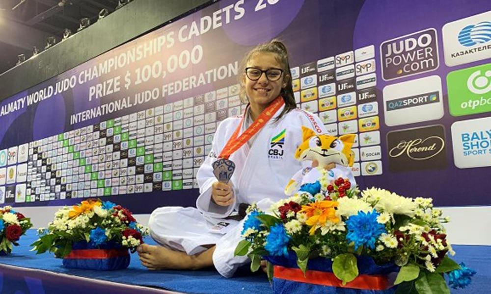 Sarah Souza, prata no Mundial Sub-18 de judô