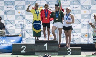 Silvana Lima no pódio dos Jogos Mundiais de surfe