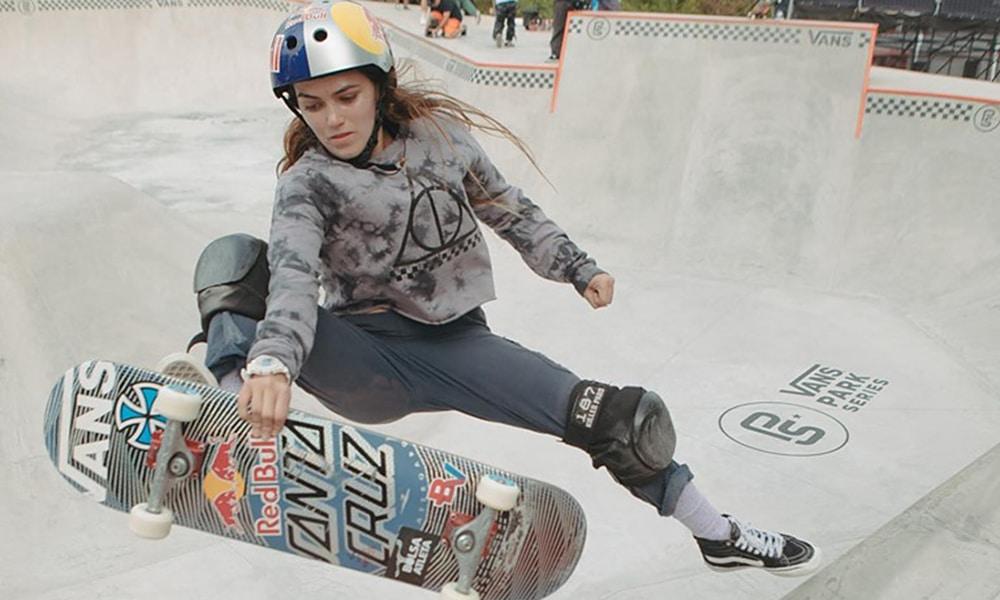 Yndiara Asp, do Skate Park dew tour ao vivo
