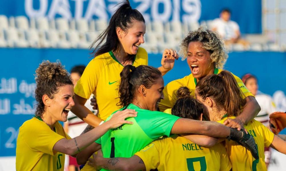 Beach soccer feminino derrota Rússia na disputa pelo bronze
