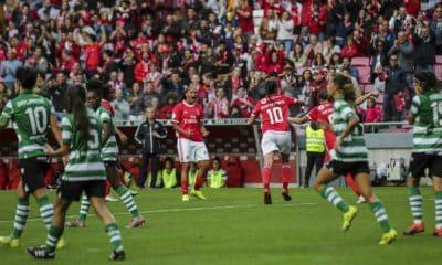 Com gols de Nycole e Darlene, Benfica vence clássico contra o Sporting