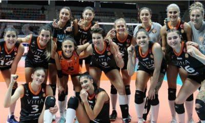 Natália e Boskovic comandam vitória do Eczacibasi na Turquia
