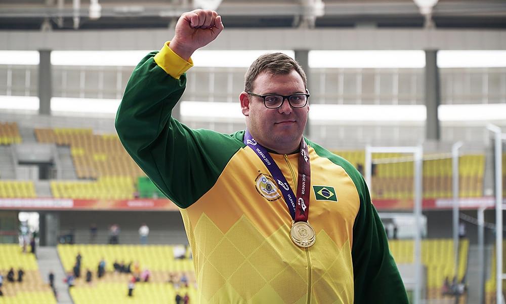 Darlan Romani, ouro no arremesso de peso nos Jogos Mundiais Militares
