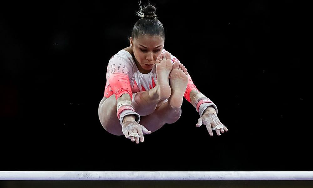Flavia Saraiva, na final do individual geral do Mundial de ginástica artística, quando garantiu a classificação para a Olimpíada de Tóquio