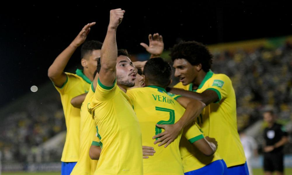 Brasil encara a Angola pela liderança do Grupo A do Mundial