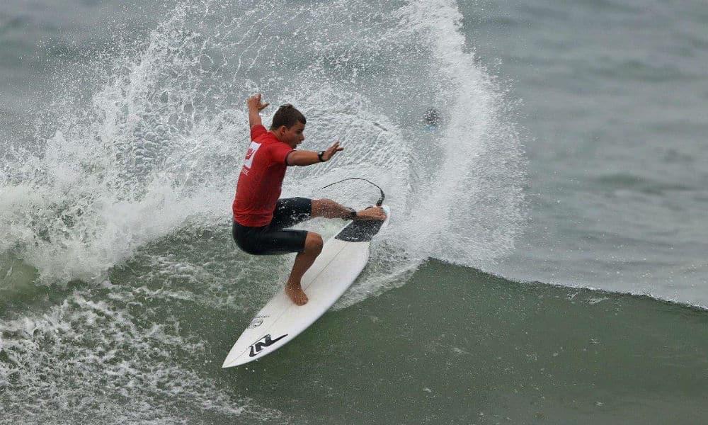 Fernando Júnior se destaca na disputa do paulista de surfe - Olimpíada Todo Dia