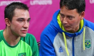 Hugo Calderano e Jean-René Mounié - Foto: Abelardo Mendes Júnior/Rede do Esporte