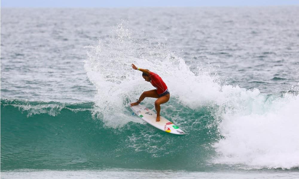 Taina Hinckel fica a um passo do bi sul-americano em Maresias - Foto WSL Daniel Smorigo