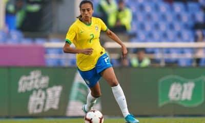 Andressa Alves, da seleção feminina de futebol, na China