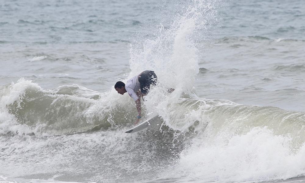 Artur Siva, no Brasileiro de Surfe