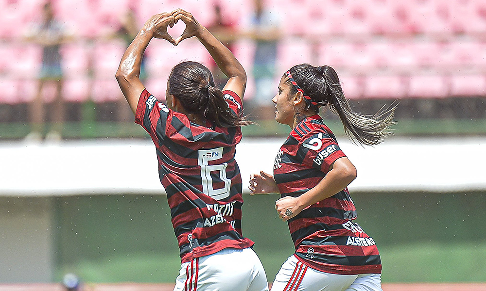 Ana Clara comemora o gol de empate do Flamengo na final contra o Fluminense no Carioca de futebol feminino