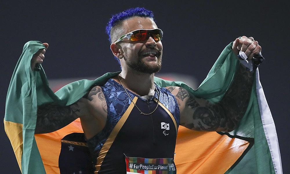 Vinícius Rodrigues, medalha de bronze nos 100m T63 do Mundial de Atletismo Paralímpico de Dubai