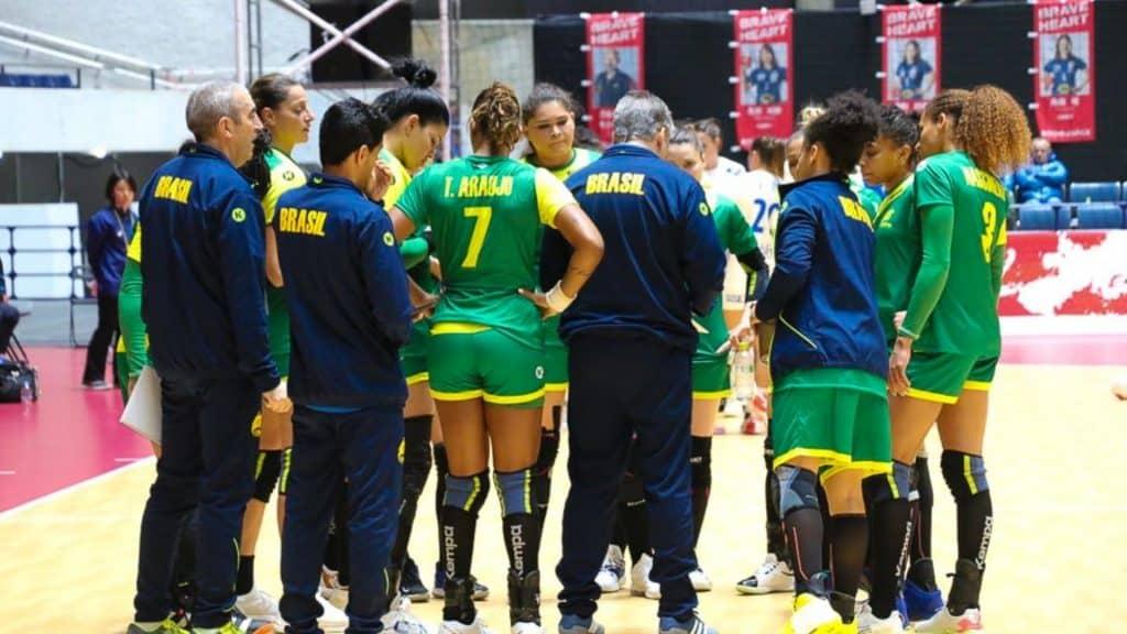 Em exatos 365 dias, a vitoriosa seleção feminina de handebol entrará em quadra em Tóquio para buscar a única medalha que falta em seu currículo: a olímpica