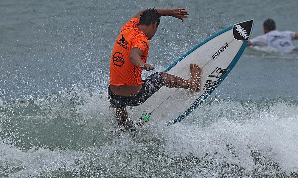 Hizunome Bettero, tricampeao paulista de surfe