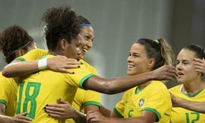 Seleção feminina de futebol do Brasil goleia o México em amistoso