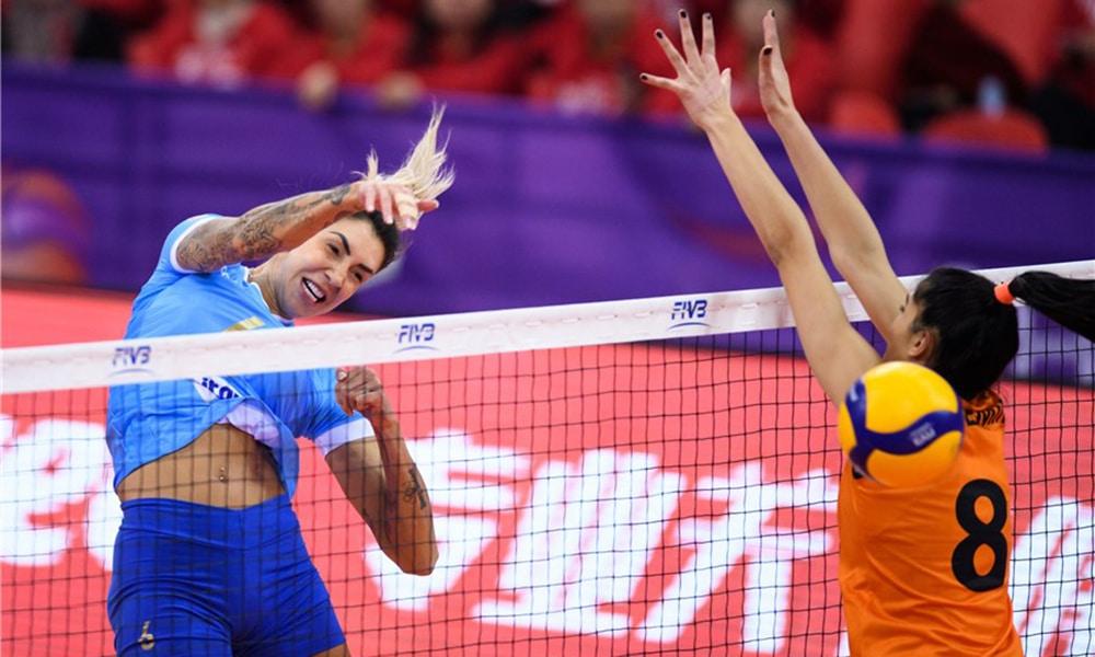 Thaísa, no Minas e Eczacibasi pelo Mundial de Clubes de vôlei feminino