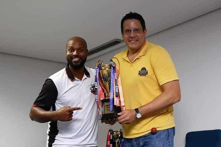 São Paulo DC recede taça da Liga ANB3x3