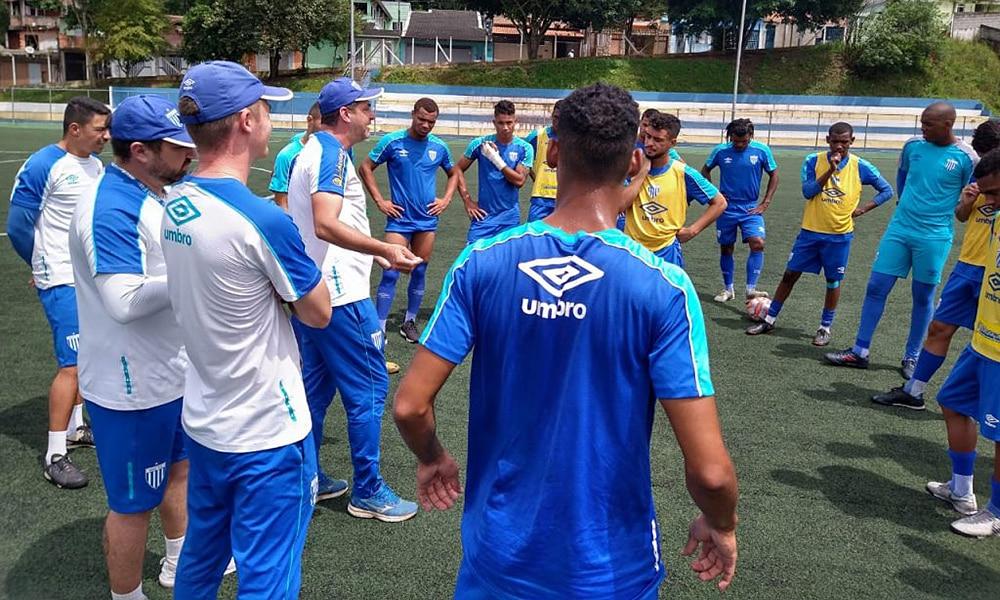 Avaí treina antes de pegar o Água Santa na Copa São Paulo ao vivo