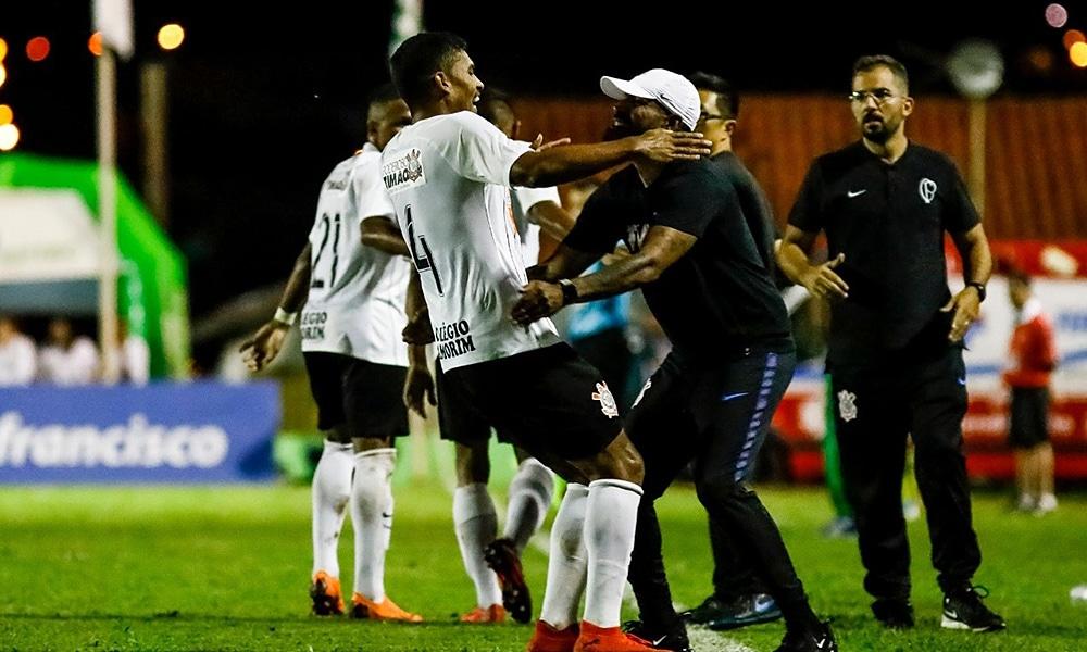 Corinthians pega o Athletico na Copa São Paulo ao vivo