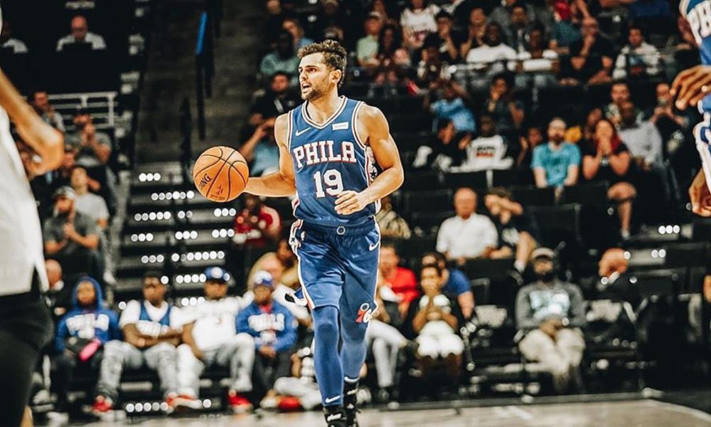 Raulzinho do Philadelphia 76ers na NBA Vencemos Juntos