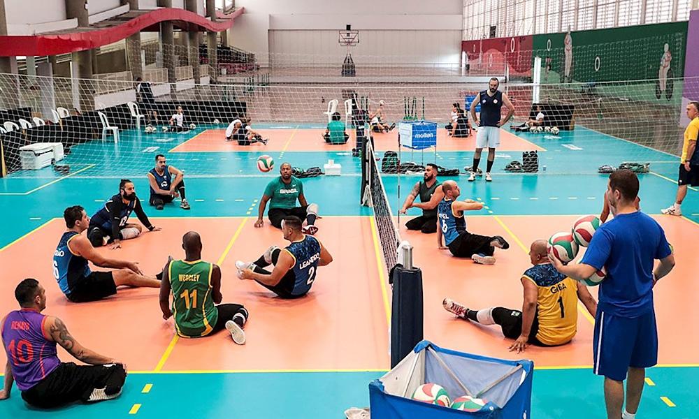 Seleção brasileira de vôlei sentado em preparação para Tóquio 2020 no Centro de Treinamento Paralímpico
