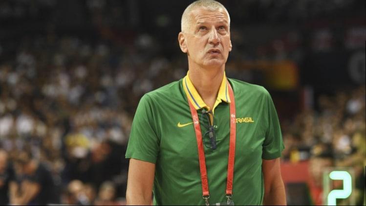 A um ano da possível estreia da seleção masculina de basquete em Tóquio-2020, o OTD mostra o que será preciso para obter a vaga nos Jogos e fazer história Petrovic