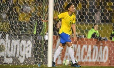 Érika jogando pela seleção brasileira - Foto: Mauro Horita/CBF