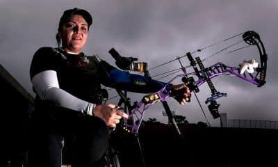 Jane Karla treina no CT Paralímpico visando o Parapan-americano de tiro com arco