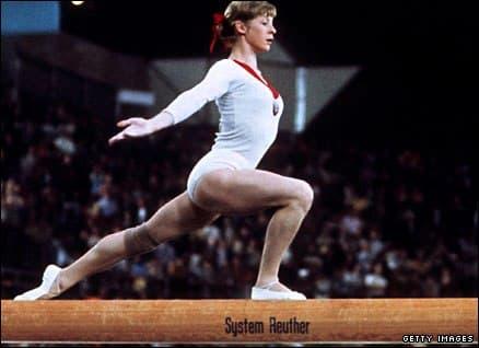 Larissa Latynina foi campeão do salto feminino nos Jogos Olímpicos