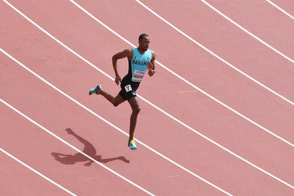 Steven Gardiner, de Bahamas, chega a Tóquio 2020 como favoritos dos 400m masculino