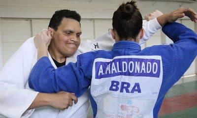 Edinanci Silva e Alana Maldonado em treino da seleção brasileira de judô paralímpico