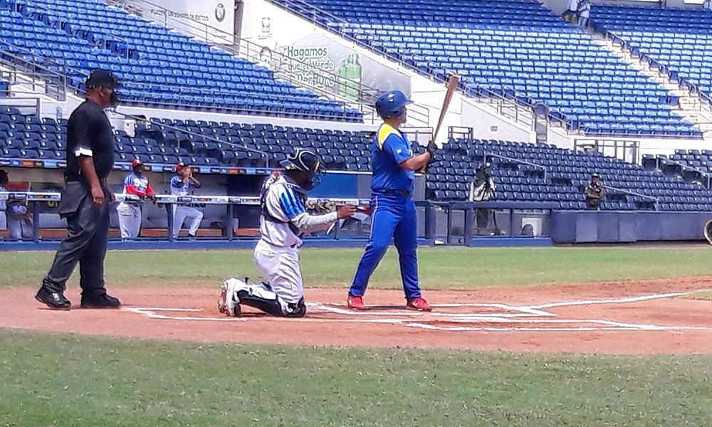 Seleção brasileira Sub-23 de beisebol no duelo contra a República Dominicana no Pan-Americano da categoria