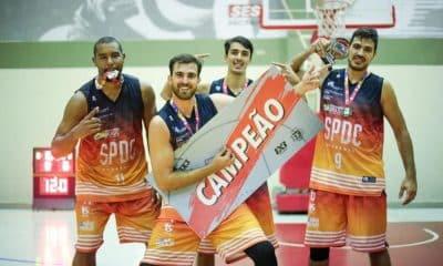 Equipe de Elite do São Paulo DC comemora primeiro lugar na segunda etapa da Liga ANB (Foto: Divulgação/SPDC)