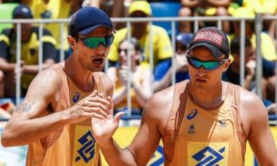 André Stein (esq) e George lideram o ranking geral masculino (Wander Roberto/Inovafoto/CBV)