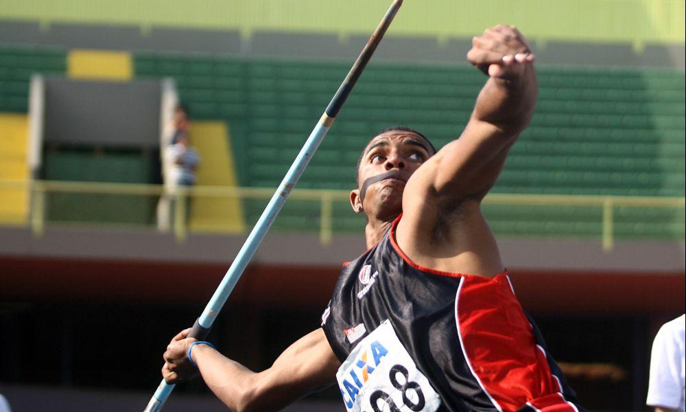 Decatleta Felipe dos Santos (Divulgação CBAt)