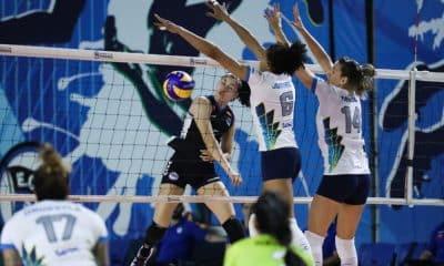 Sesc-RJ visitou o Pinheiros e venceu com facilidade (Foto: Ricardo Bufolin/ECP)