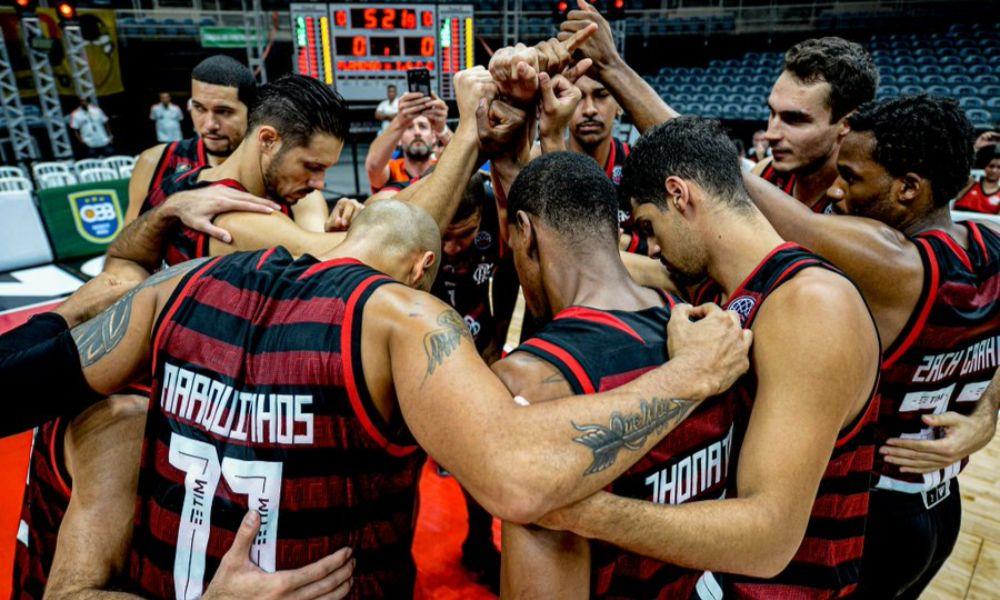 Líder do NBB, Flamengo de Gustavinho consegue reação incrível no último quarto e chega à final da Champions Americas (Foto: Marcelo Cortes/CRF)