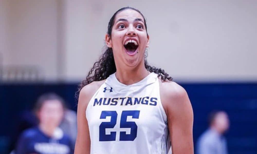 Stephanie Soares - jogadora do ano da NAIA Master's University