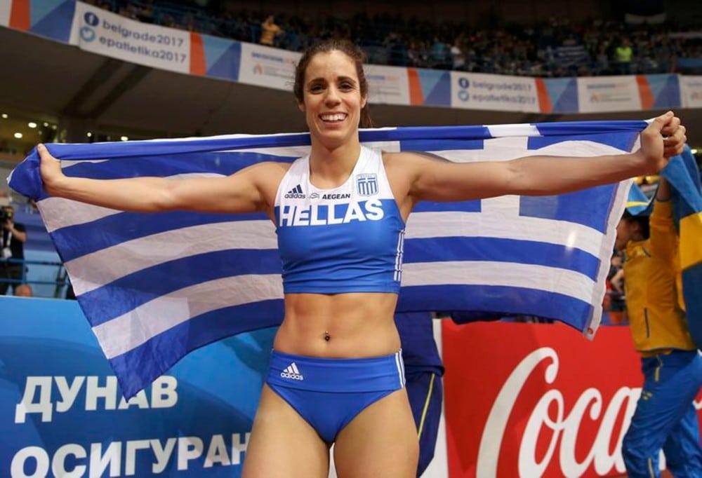 Katerina Stefanidi salto com vara, critica COI pelo coronavírus