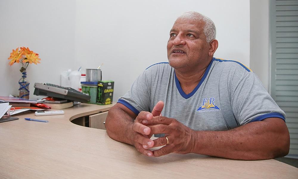 Keitel Júnior diretor da Emeb Professor Firmo José Rodrigues em Cuiabá