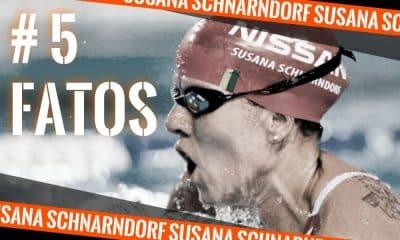 A atleta Susana Schnarndorf da Natação Paralímpica em competição. A arte faz parte do quadro 5 fatos e foi feita por Caio Poltronieri