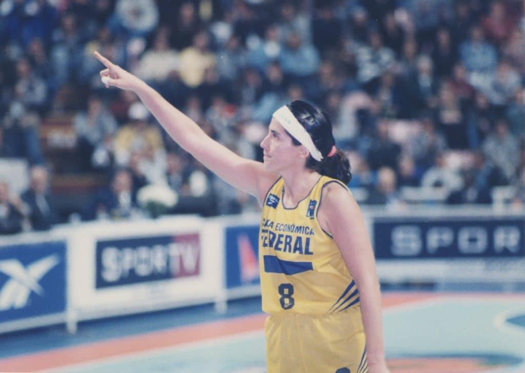 Magic Paula no jogo de despedida da Seleção Brasileira, em 1997 (Flickr/Magic Paula)