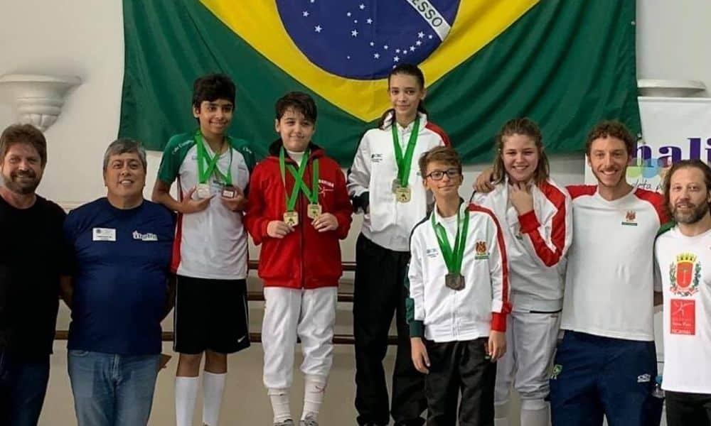 Athos Schwantes atuando como coordenador das categorias de base da Confederação Brasileira de Esgrima