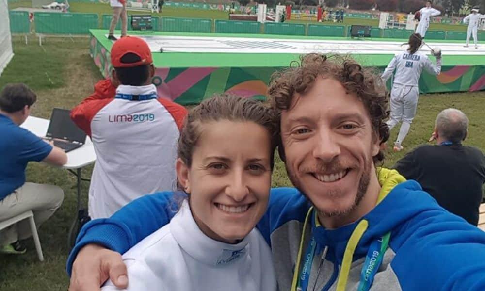 Athos Schwantes atuando como técnico de esgrima de Isabela Abreu no Pan de Lima-2019
