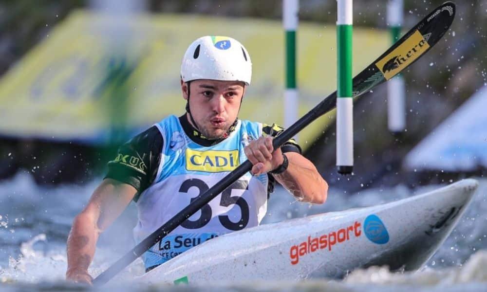Pepê Gonçalves em ação no Mundial de Canoagem Slalom