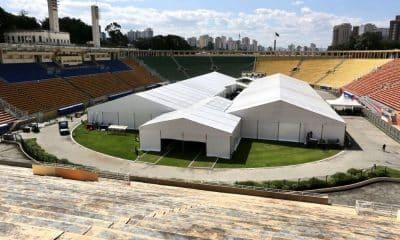 Hospital de campanha montado no Estádio do Pacaembu contra a pandemia