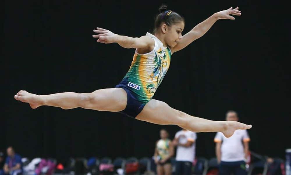Com 16 anos, Flavia Saraiva disputou o Mundial de Glasgow 2015 e a Rio-2016