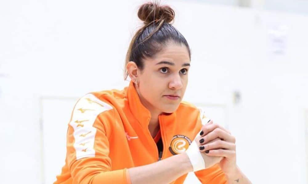 Natália, do Eczacibasi, time da Turquia