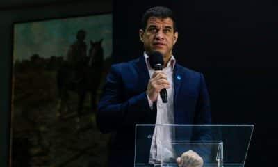 Mizael Conrado presidente do CPB fala em evento de lançamento do Time São Paulo